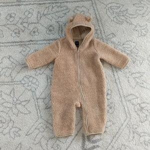 Baby GAP Snowsuit One Piece 6-12 month Tan Bear